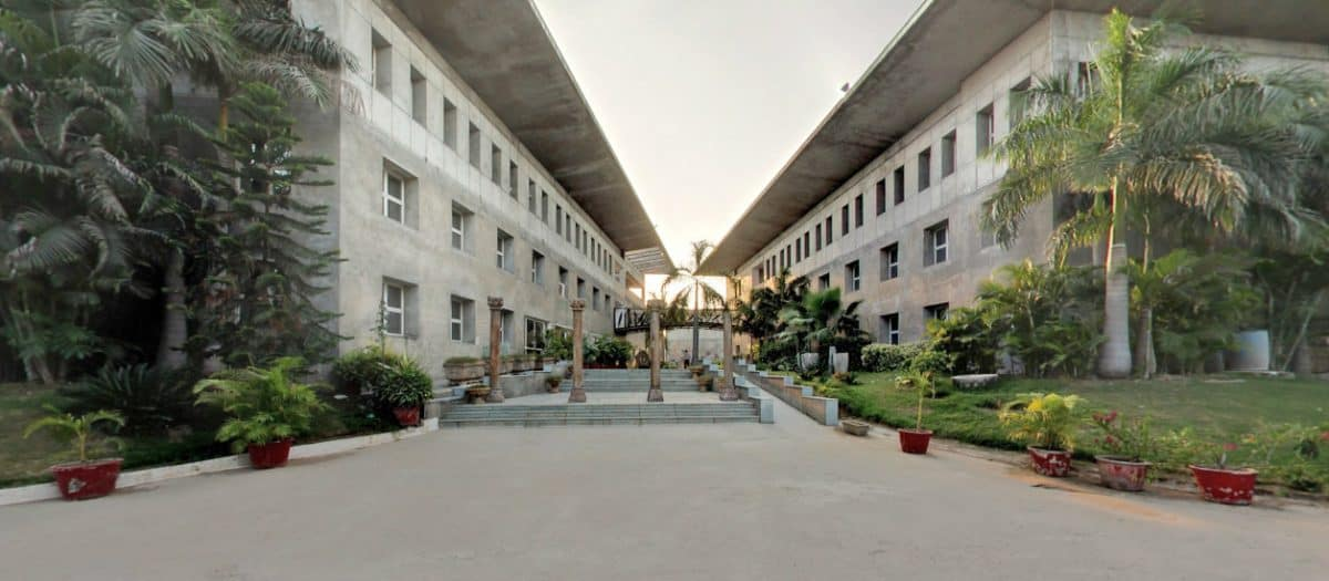 KARNAVATI SCHOOL OF DENTISTY – [KSD], GANDHI NAGAR
