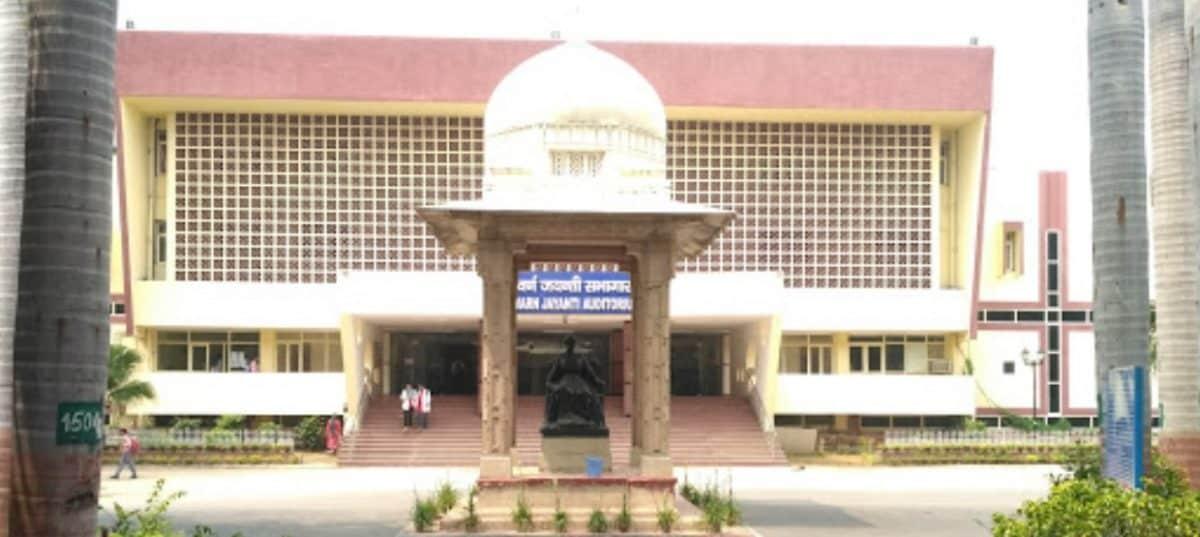 LADY HARDINGE MEDICAL COLLEGE – (LHMC), NEW DELHI