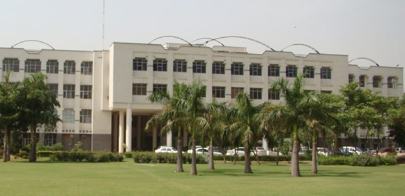 SUDHA RUSTAGI COLLEGE OF DENTAL SCIENCE AND RESEARCH, FARIDABAD